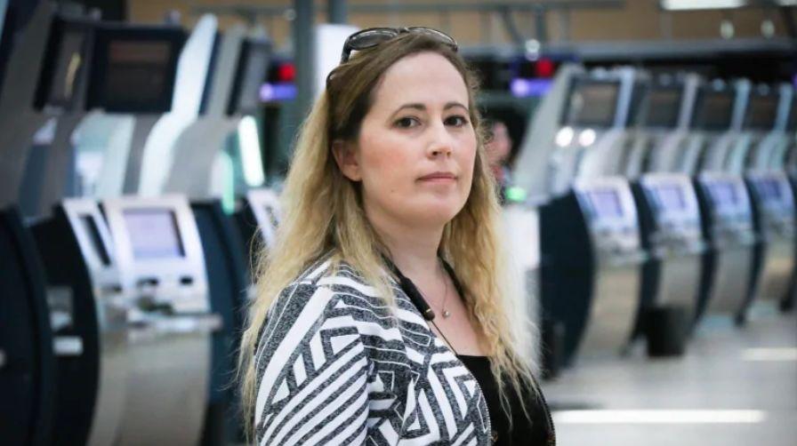 她被扒光衣服全裸搜身!_加拿大边境服务局(CBSA)2年遭800次投诉