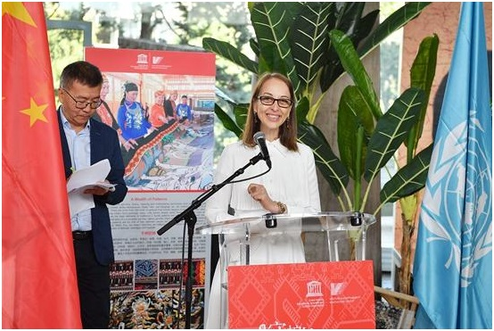 海南黎锦艺术亮相联合国教科文组织巴黎总部