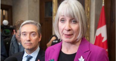 支持中国抗击新型冠状病毒,加拿大在行动!